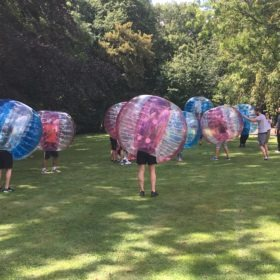 équipes bubble foot team building